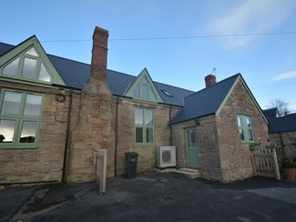 2 bedroom conversion in sought after village location