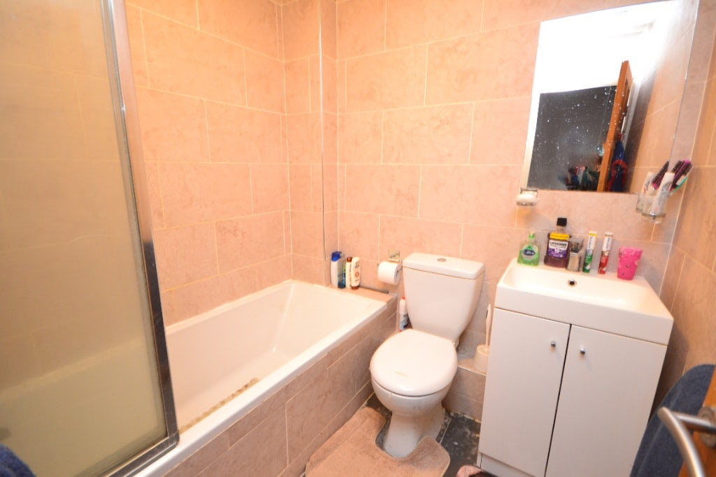 2 Bedroom Property For Sale In Wigan 100 000