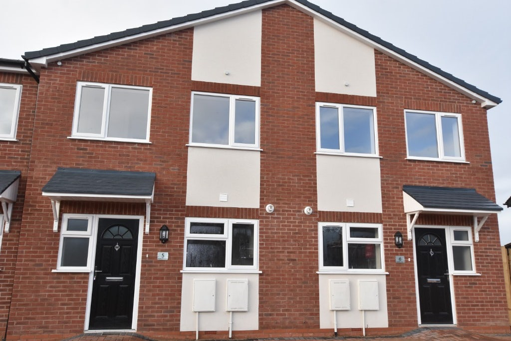 3 Bedroom Property For Sale In Stoke On Trent 190 000