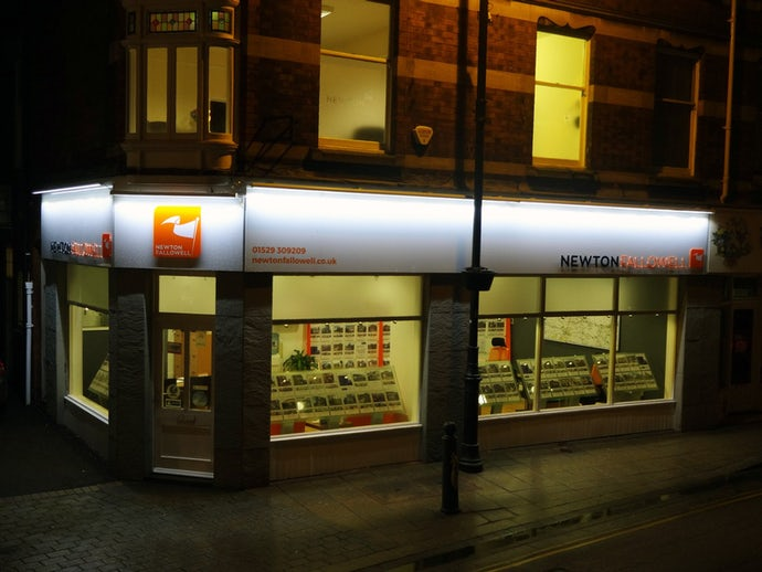 Sleaford_External_Night[1]